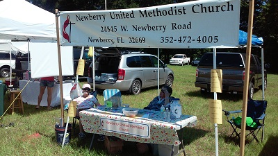 Workers for Newberry UMC taking a break